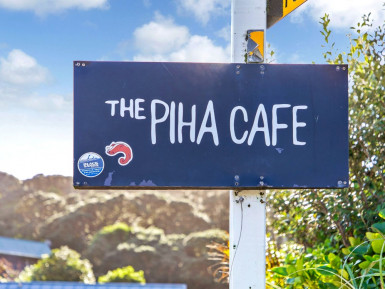 Licensed Eatery and Cafe for Sale Piha Auckland